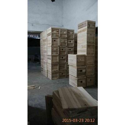 广东惠州杉木蜂箱 中蜂长46宽29高29,板厚1.4厘米有多种规格,可定做