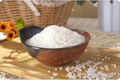 这是一张关于东北大米 绿色食品 晚稻 一等品的产品图片
