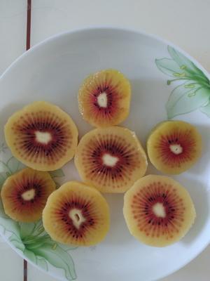 这是一张关于红阳猕猴桃 80~100克的产品图片