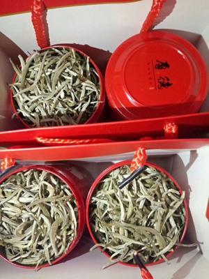 云南省普洱市景东彝族自治县普洱白茶 罐装 一级