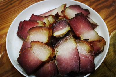 贵州省黔东南苗族侗族自治州凯里市黑毛土猪腊肉 散装