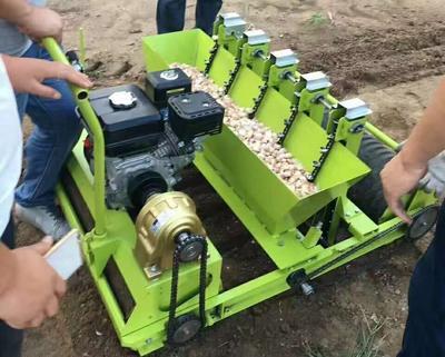 这是一张关于播种机的产品图片