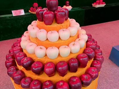 这是一张关于花牛苹果 光果 全红 70mm以上的产品图片