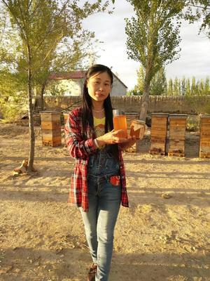 新疆维吾尔自治区阿勒泰地区阿勒泰市百花蜜 塑料瓶装 100% 2年以上
