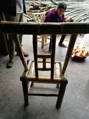 这是一张关于竹椅子的产品图片