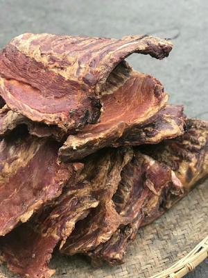 这是一张关于农家柴熏腊肉 箱装的产品图片