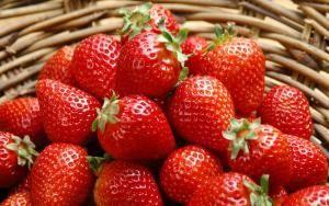 这是一张关于丰香草莓 30克以上的产品图片
