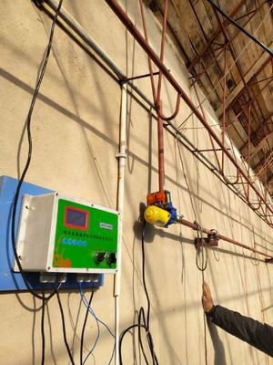 这是一张关于大棚自动放风设备的产品图片