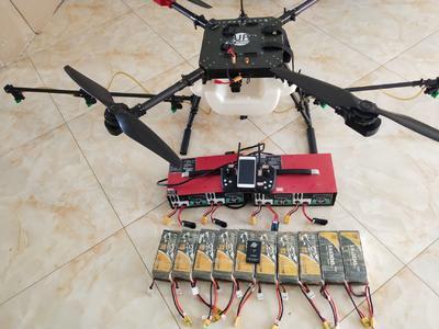 这是一张关于农业无人机的产品图片