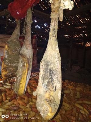 贵州省毕节市威宁彝族回族苗族自治县农家自制腊火腿 散装