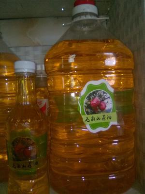 这是一张关于白花茶山茶油 的产品图片