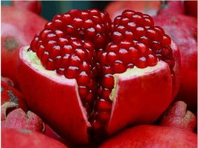 山西省运城市临猗县新疆大籽甜石榴  1斤 - 2斤 每个重量平均1.3斤