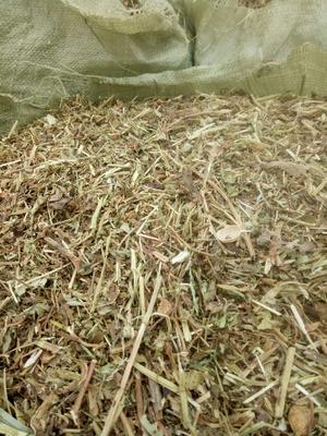 这是一张关于花生秧草料 的产品图片