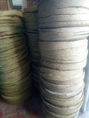 这是一张关于豆饼饲料 的产品图片