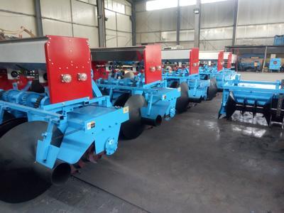 山东省潍坊市安丘市开沟起垄机 拖拉机悬挂葱姜起垄机