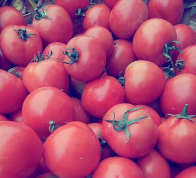 这是一张关于大红西红柿 精品 弧二以上 大红 的产品图片