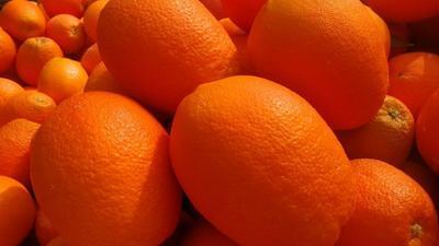 这是一张关于长虹脐橙 65 - 70mm 4两以下 的产品图片