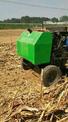 这是一张关于捡拾打捆机  玉米秸秆粉碎打捆机的产品图片