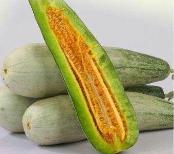 这是一张关于羊角脆甜瓜 0.5斤以上 的产品图片