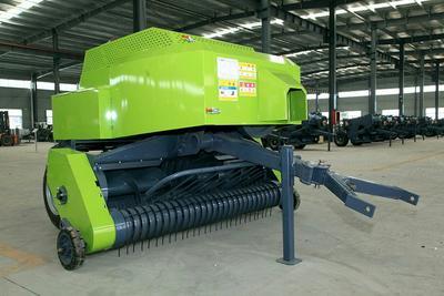 山东省菏泽市郓城县捡拾打捆机 秸秆打捆机,打包机。