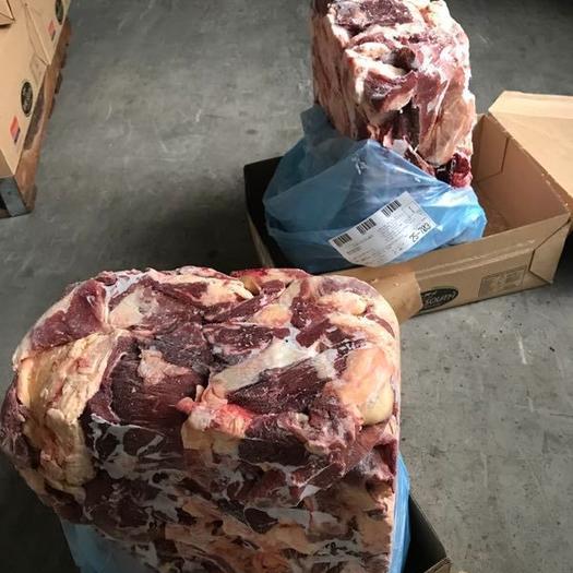 新西兰原装进口牛肉,不注水,一手正关,有检验检疫。牛肉味足。