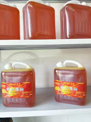 这是一张关于笨榨豆油的产品图片