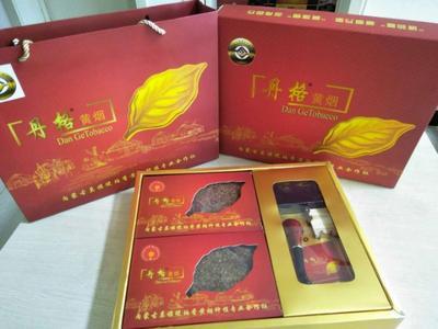 内蒙古呼伦贝尔莫力达瓦达斡尔族自治旗琥珀香黄烟 盒装 一级