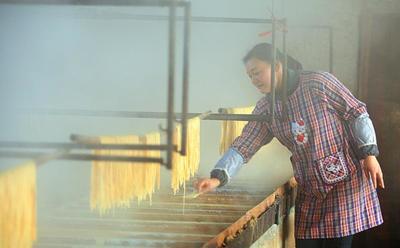 这是一张关于腐竹的产品图片