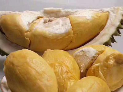 云南省西双版纳傣族自治州景洪市金枕头榴莲 60 - 70%以上 3 - 4公斤