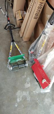 这是一张关于割草机的产品图片