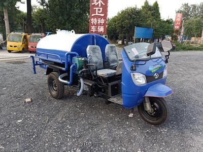 这是一张关于洒水车的产品图片