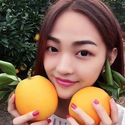 这是一张关于脐橙 70-75mm 4-8两的产品图片