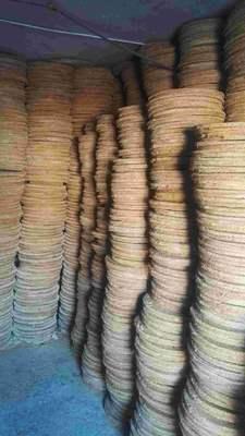 这是一张关于豆饼的产品图片