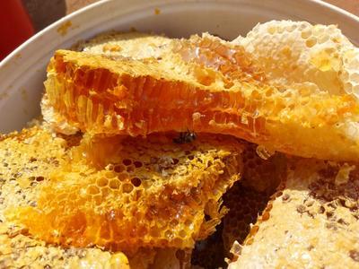 云南省普洱市思茅区野生蜂蜜 玻璃瓶装 100% 2年以上