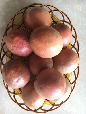 广西壮族自治区柳州市融安县紫色百香果 70 - 80克