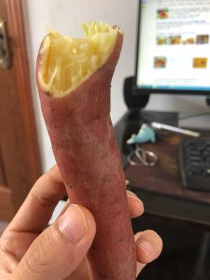 这是一张关于秦薯 红皮 3两以上的产品图片