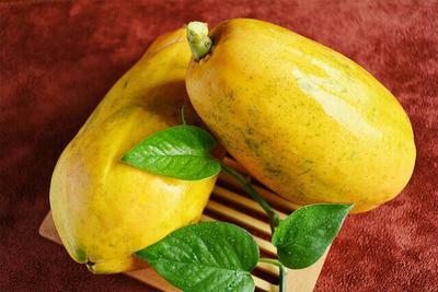 这是一张关于红心木瓜 1 - 1.5斤的产品图片