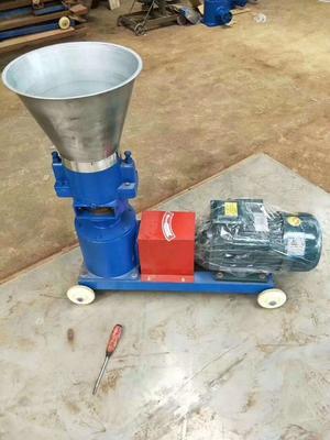 这是一张关于饲料颗粒机 的产品图片