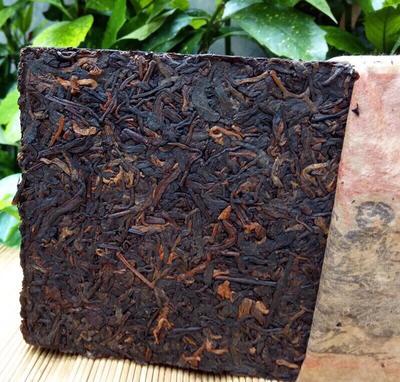 这是一张关于普洱茶砖 1976普洱老茶1000克熟茶的产品图片