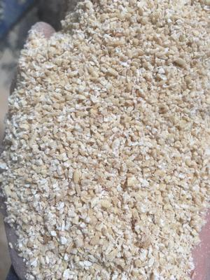 这是一张关于碎小麦 碎燕麦粒的产品图片