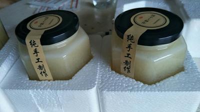 湖北宜昌槐花蜜 玻璃瓶装 2年以上 100%