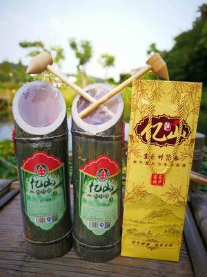 这是一张关于竹筒酒 40-49度 1年以下 亿山鲜竹酒的产品图片