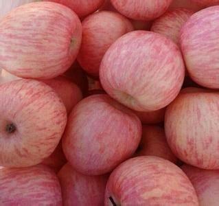 这是一张关于红富士苹果 75 - 80mm 条红 纸袋的产品图片