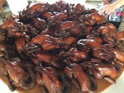 河北唐山卤鸡 1个月 2斤左右