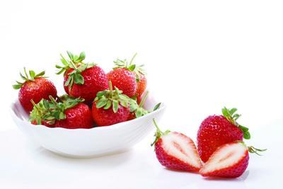 安徽合肥红颜草莓 30克以上