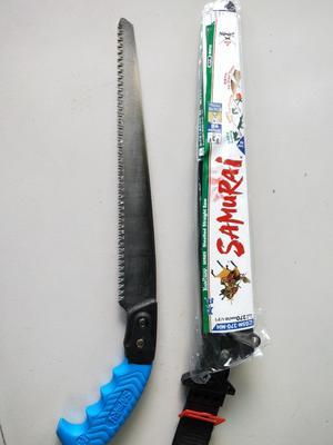 这是一张关于手锯的产品图片