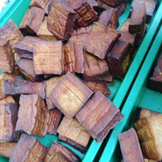 腊豆腐 湖南湘西泸溪洗溪柴火烤豆腐,三元一块,不包邮。回购率高。